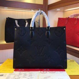 🎀LV 💖 Onthego Canvas Bag Brand New  ♕